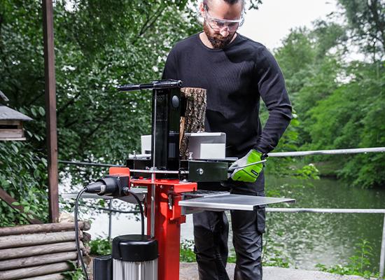 Vedkløyvere | AL-KO Kløyvebord sikrer sentrering