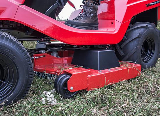 Plenetraktorer | AL-KO Praktisk tilkobling og frakobling av klippedekke